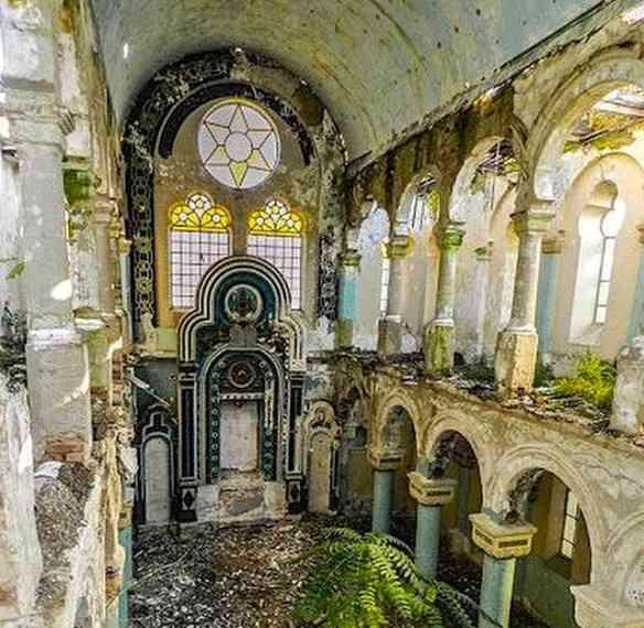 A grande sinagoga de Constanta, na Romênia...
