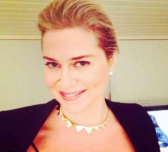 A chiquérrima Carla Benchimol vai nos dar suas dicas de looks em seu