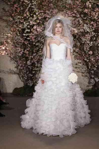 A noiva... noiva! Linda...