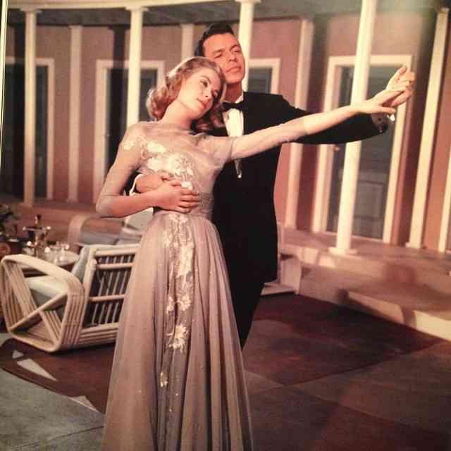 Grace Kelly e Frank Sinatra! Este e o deleite total em High Society!