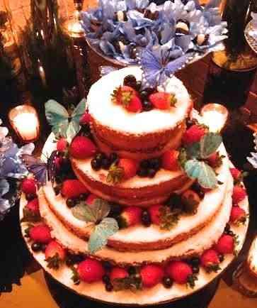 Tudo que amo: Borboletas, frutas vermelhas, ar de pão de ló!