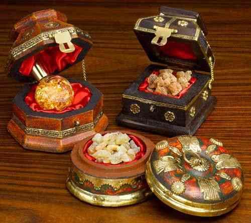 Ouro, Olíbano (resina para fabricação de incenso) e Mirra: eis os presentes do Reis para o Rei dos Reis..