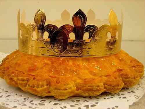 """Finalizo com a rainha da festa: a sobremesa """"Galette de Rois"""", típica da """"Noite de Reis""""."""