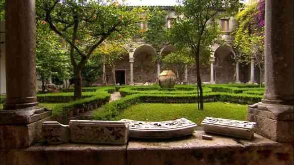 Pelo pátio interno de San Domenico, seu antigo claustro, dá pra imaginar a beleza...