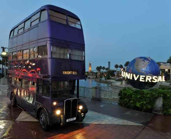fans_universal_knightbus_1