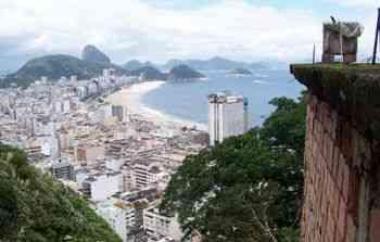 Vista deslumbrante do Rio de uma laje no morro Pavão/ Pavãozinho... Fala sério!