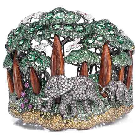 wendy-hue-safarielephant-hm21984-sam2009-986286_0x440