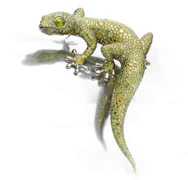 A-Fancy-Green-Diamond-Cat-Eye-Chrysoberyl-and-White-Gold-'Gecko'-Brooch-by-Hemmerle