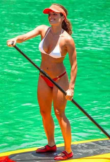 Multi esportiva, é maravilhosa pra prática de stand up paddle...