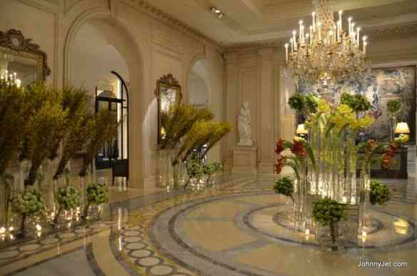 Four-Seasons-Hotel-George-V-Paris-April-2013-035-910x603