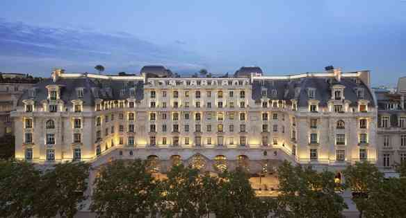 Peninsula+Paris_ext3_Les+plus+beaux+HOTELS+DESIGN+du+monde_hotelsdesignmonde-1