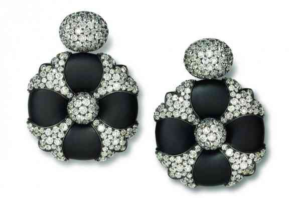 hemmerle_earrings__iron__silver__white_gold__old_cut_diamonds_main_pic