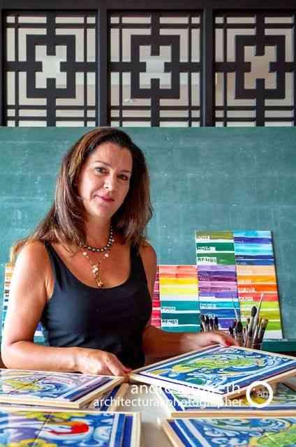 Viannita Barcellos em seu atelier: bom gosto e técnica à perder de vista!