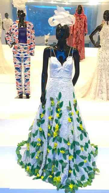 A rainha das rendas, Martha Medeiros usou a beleza da renda Renascença, das rendeiras de Alagoas para fazer seu vestido... Que pode ser de noiva!