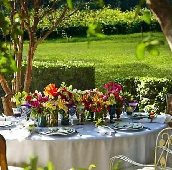 Mesa linda no jardim: Impossível este almoço não encantar!
