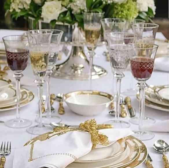 Esta Porcelana Ouro é uma belíssima opção pra quem prefere louça lisa!