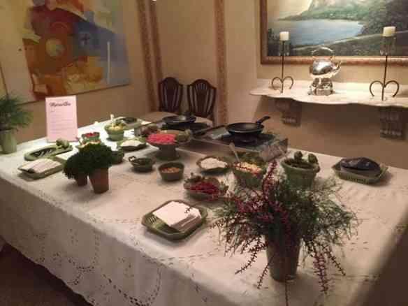 Nesta festa, usaram a mesa da dona da casa e ficou um capricho!