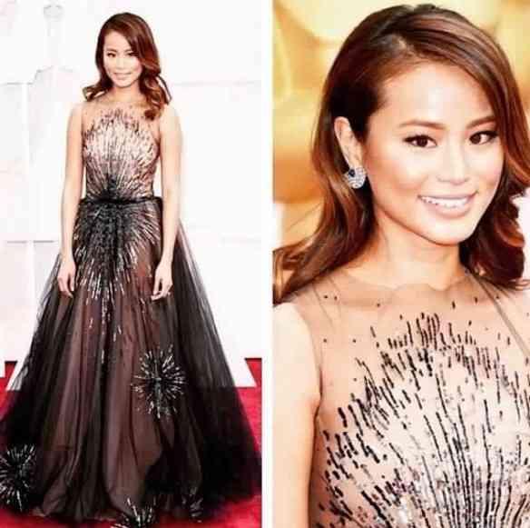 A linda atriz Jamie Chung, com look glorioso complementado pelo brido