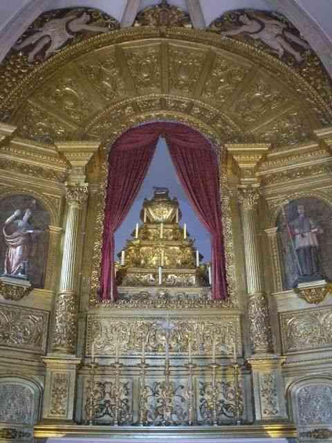 Close no altar inspirador!