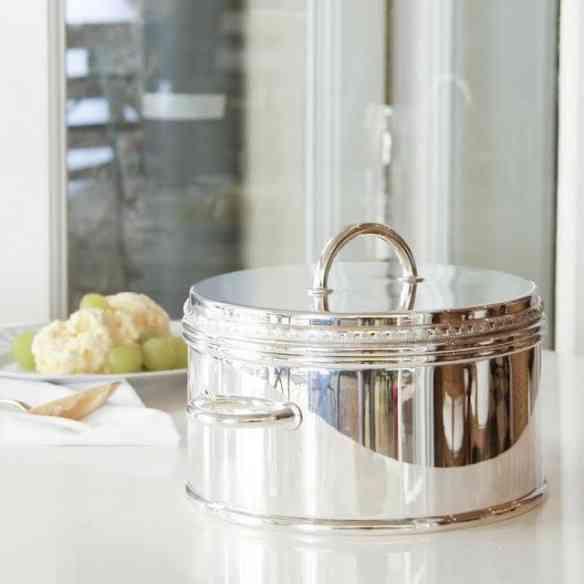 Sensação nos meus almoços de verão é este balde térmico pra sorvete: imprescindível!!!