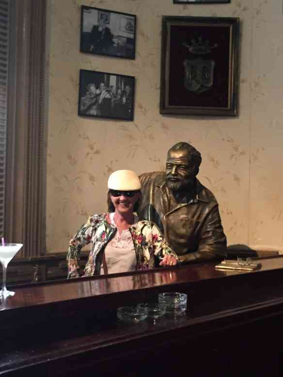 Com Hemingway, no bar do La Floridita!