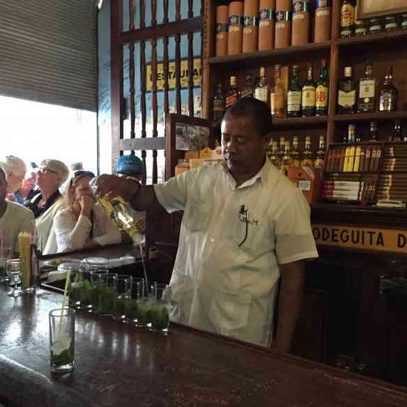 Fiquem com o famoso bar do Bodeguita del Mejo e seu emblemático mojito... Cheersss!!!