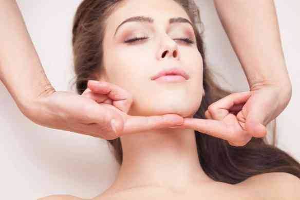 las-vegas-double-chin-treatment-1024x683