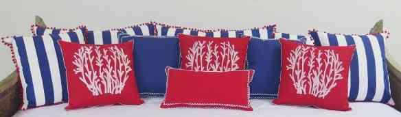 Almofadas lindas que Mucki faz em seu ateliê e irá mostrar no site!