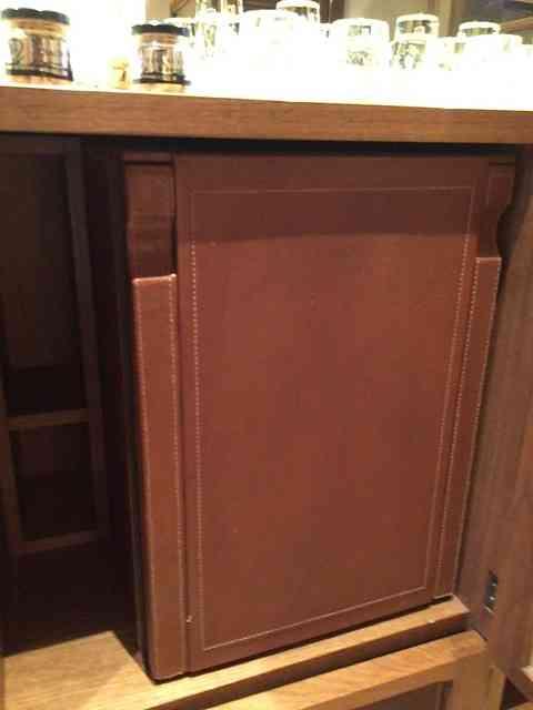 Close na lindeza da cor do couro e na perfeição do acabamento da forração!