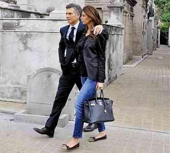 Com o marido, o presidente eleito da Argentina, Mauricio Macri.