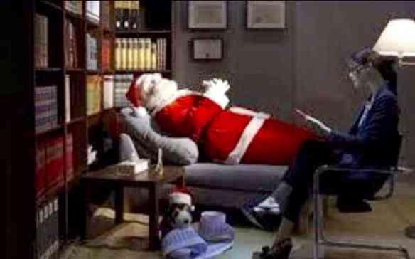 Foto inédita: Papai Noel em sessão extra com sua analista... Perfeccionismo estressa!