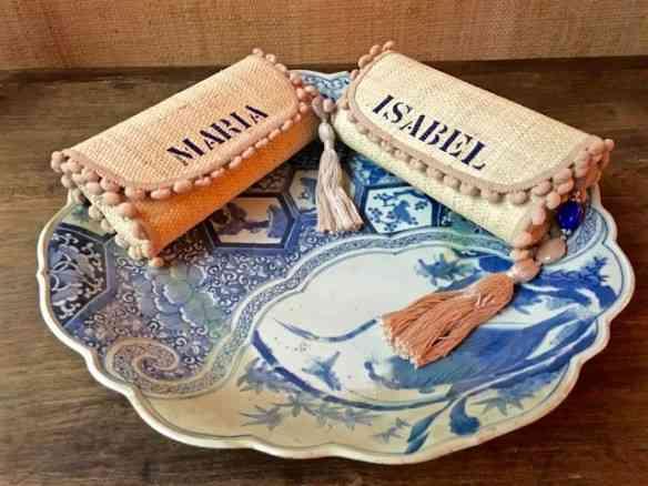Fecho com as carteiras lindasses que Papai Noel deu pra TMs: amaram... By Carol, é claro!