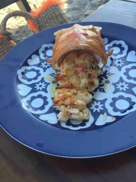 Close num dos pedidos que as meninas fizeram: lagosta da casa, mara!