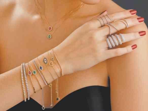 Vejam quantas opções lindas de jóias que fazem toda a diferença!