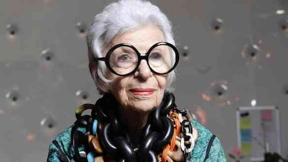 "A musa ""fashion"" Iris Apfel é viciada em Monies!"