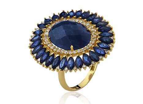 """Este merece a """"Coroa britânica"""", de tão lindo: quartzo, safira e diamantes!"""