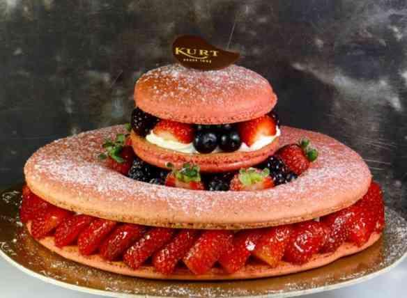 """Sim, existe torta chiquérrima... Esta da foto, by """"CONFEITARIA KURT"""""""