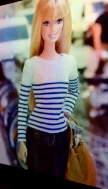 Barbie de manhã, casualmente...