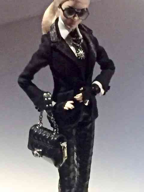 Barbie by Karl, arrasando de Chanel!