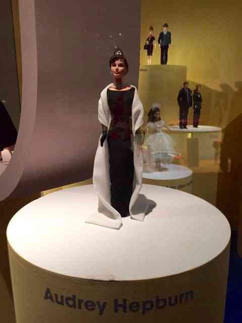Exemplar de colecionador: Barbie Audrey... A minha preferida!