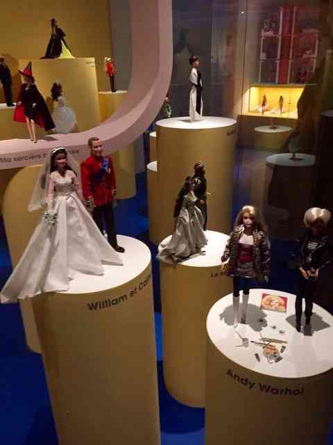 Aqui, entre outros, Kate e William casando: também pra colecionar!