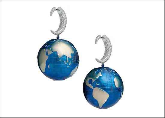 Coast-to-Coast-earrings-in-White-gold-and-Titanium-set-with-449-Diamonds-4.24-Cts