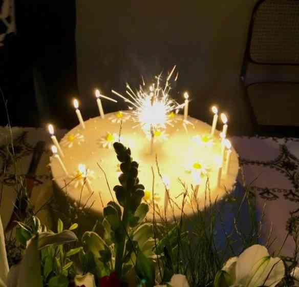 Eis o bolo da Valdete bombando...