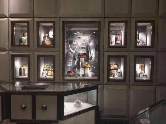 Silvia Furmanovich estréia no templo da moda novaiorquino, o emblemático Bergdorf Goodman... Luxo só!