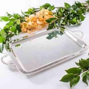 Bandeja de prata no tamanho ideal: difícil de achar!