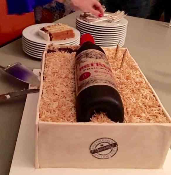"""Foi com esta obra prima que comemoramos, na casa da Bel, o """"niver"""" da nossa querida Mestra dos vinhos, Lolo Borges!"""