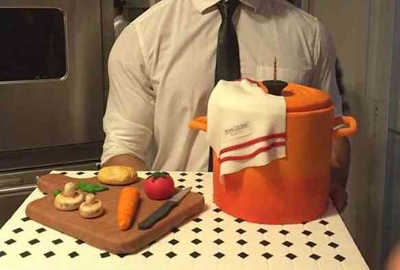 Começo com o bolo lindo do aniversário da divina chef Bel Castro Neves: