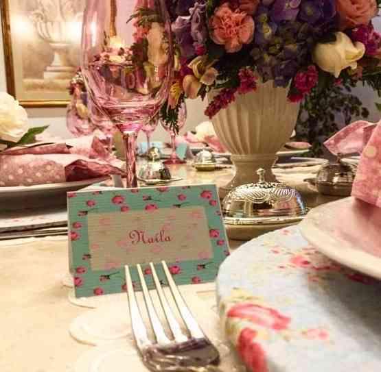 O dia-a-dia de nossas mesas será mais lindo com Leticia em nossas vidas, não acham?!