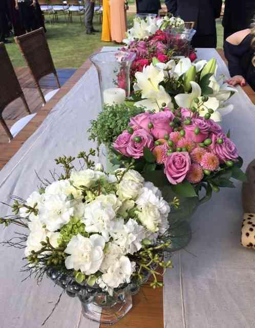 """Outro """"caminho de mesa"""", agora com flores..."""