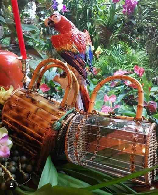 Ainda tem estes 2 modelos de bolsas muito lindas, em parceria com a WaiWai.